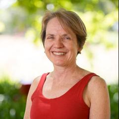 Associate Professor Linda Selvey